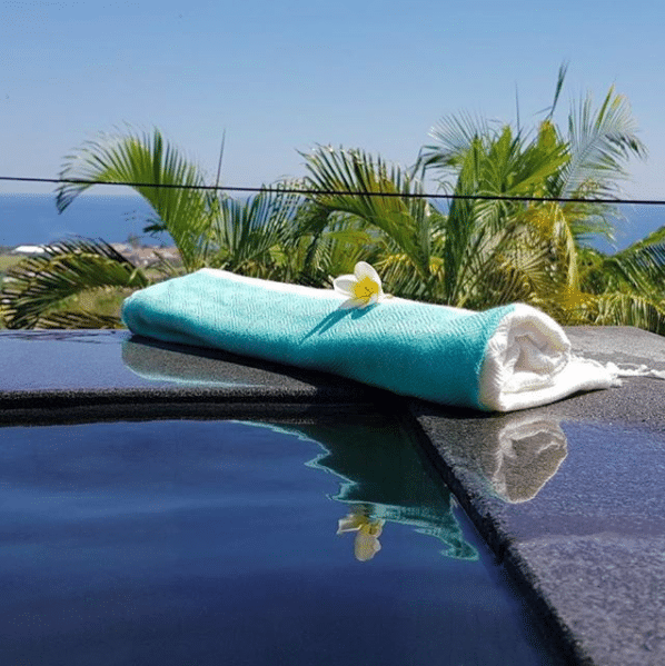 Whatever the landscape, our towels fit everywhere 🌍⠀ .⠀ #cameleon #landscape #sunset #bamboo #swimingpool #nature #ecoproduct